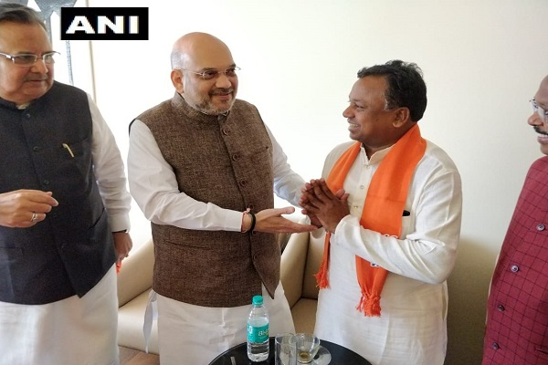 Congress working president Ramdayal Uike joined BJP