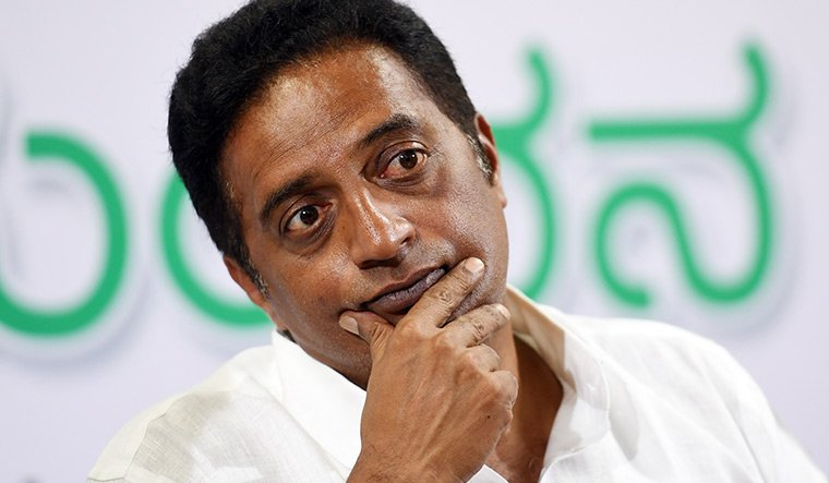 Mandya: Actor-turned-politician Prakash Raj attends funeral of Pulwama martyr, villagers expose his hypocrisy towards Armed Forces
