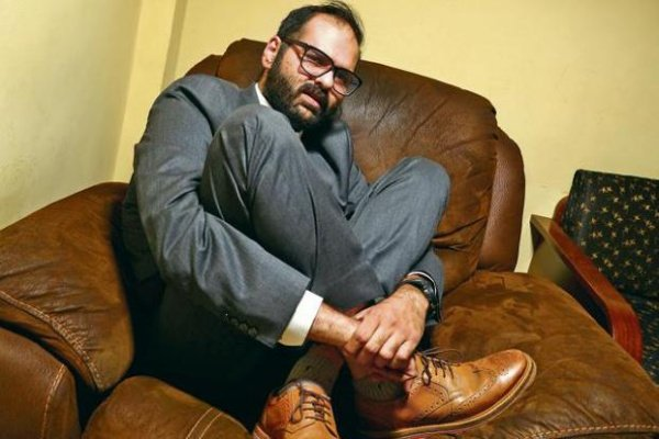 Kunal Kamra threatens to out mobile phone numbers of 'BJP leaders' and Arnab Goswami