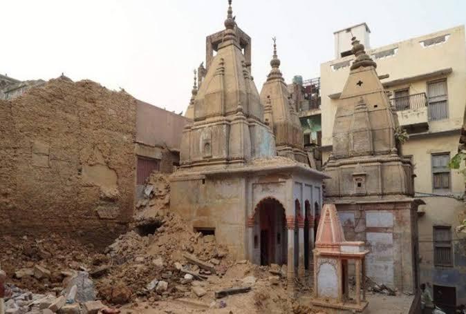 PM Modi's pet project of Kashi Vishwanath Temple Corridor project underway