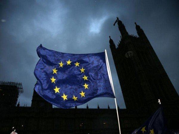 EU warns Pakistan