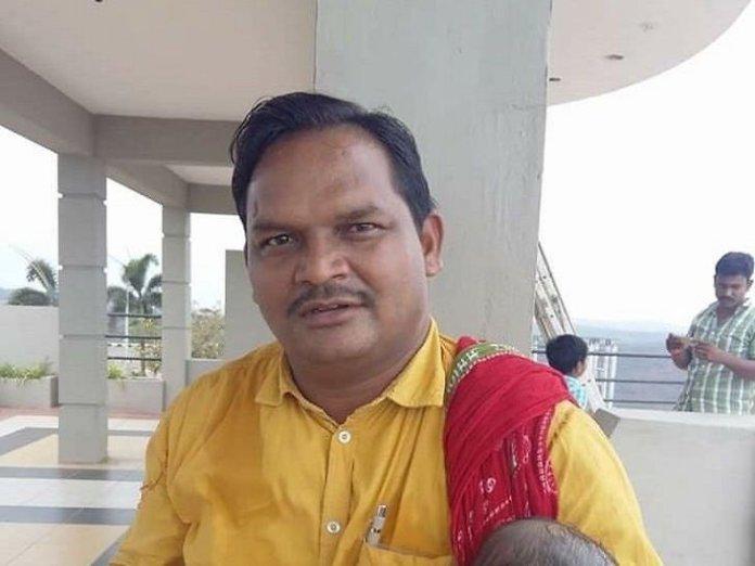 SP leader Santosh Punem has been murdered by Naxals in Bijapur, Chhattisgarh