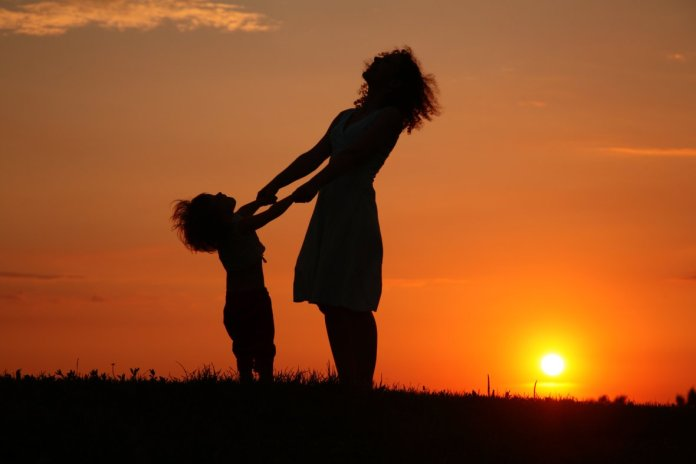 Single parent, challenges, pain and hopes