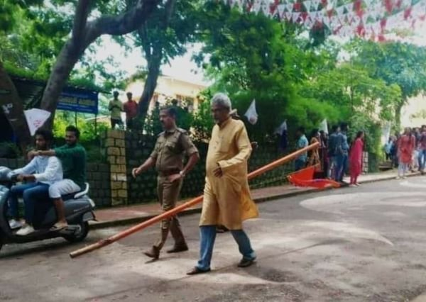 ABVP flag removed by principal