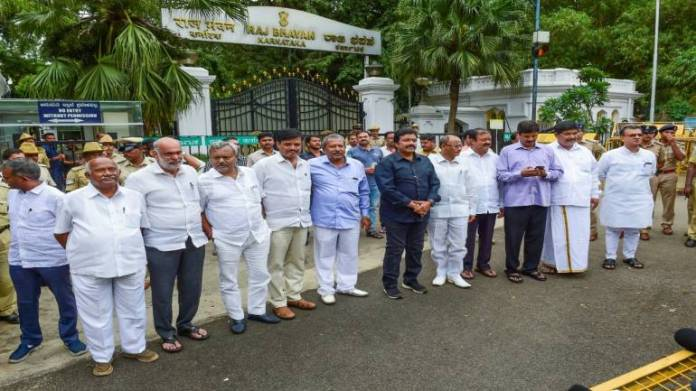 'Rebel' Karnataka Congress-JDS MLAs in the state
