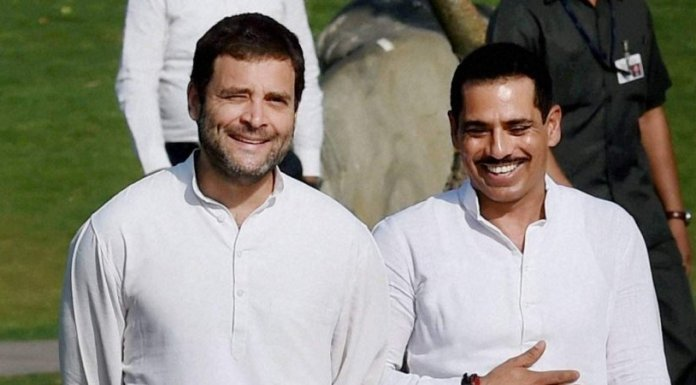 Vadra heaps praises on Rahul Gandhi in his 'farewell note'