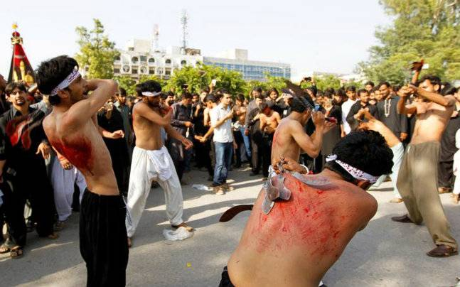 Man accidentally hits himself with a sword during Muharram procession, succumbs to the injury