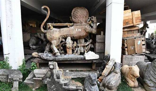 Hundreds of ancient artefacts seized over the years by the Tamil Nadu Idol Wing have been dumped in the building premises for the lack of space and procedural delays