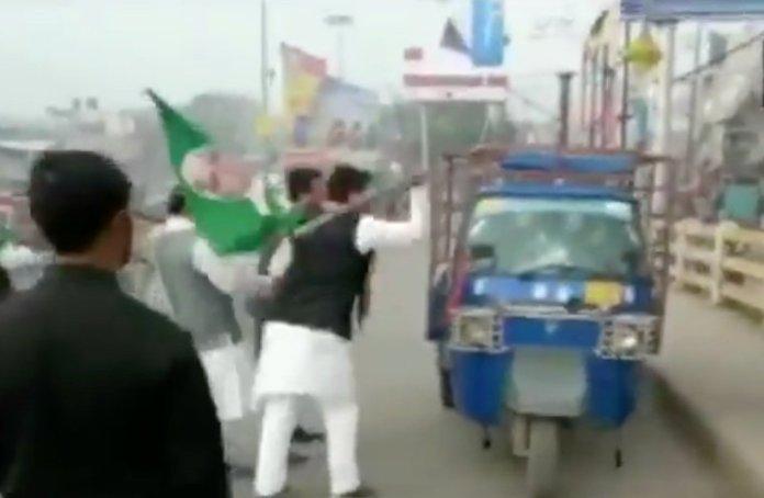Anti-CAA Bandh: RJD workers vandalise Autorickshaws in Bihar