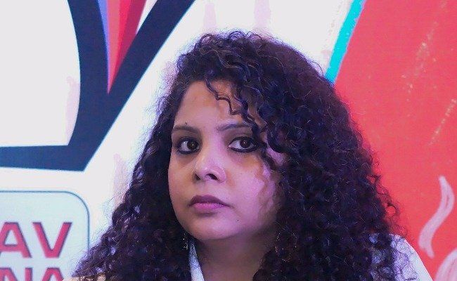 Rana Ayyub accuses UP govt of Islamophobia after Muslim rioters die in police efforts to stop Muslim mob violence
