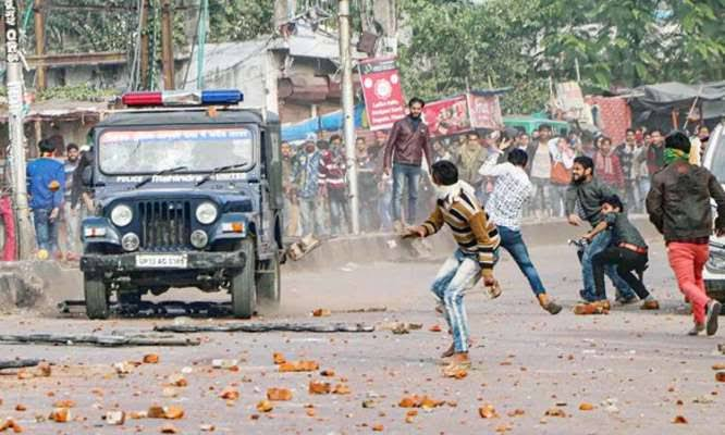 Police suspect outsider influence behind Gorakhpur riots on Friday
