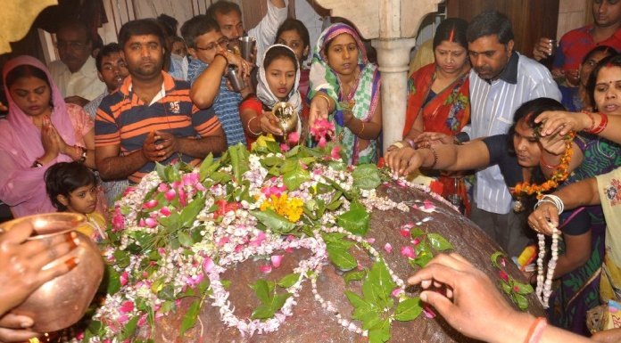 Kashi Vishwanath Temple to implement dress code and time restrictions for Sparsh-darshan