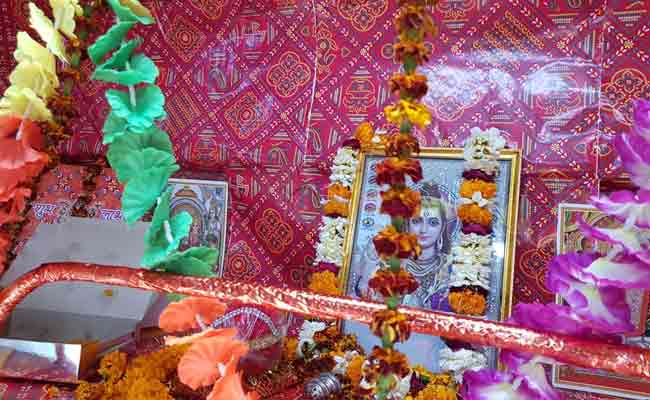 A seat is reserved in Mahakal Express between Varanasi and Indore for Lord Shiva