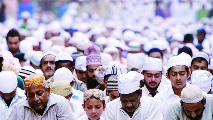 FIR booked against mosque trustees in Mumbai for allowing gathering of people amidst lockdown
