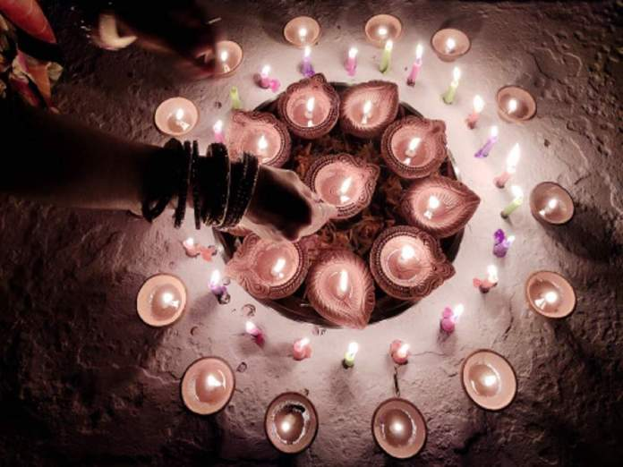 People were attacked in Jhunjhunu, Rajsthan for lighting diyas and candles in a local Temple.