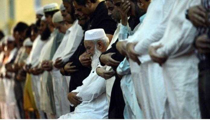 Pakistan allows religious congregation in mosques during Ramzan