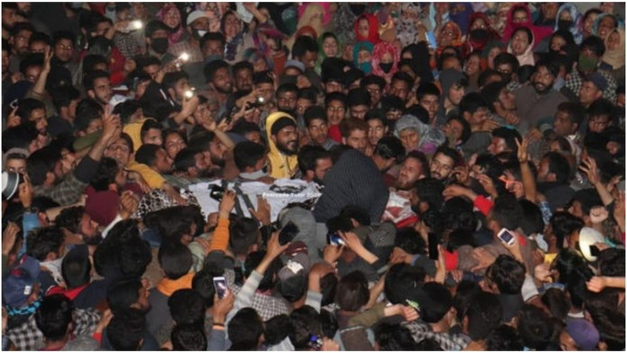 Sopore locals gather in marge numbers for killed JeM terrorist in Kashmir