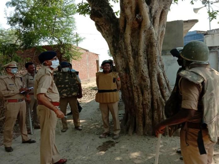 stone pelting police bahraich