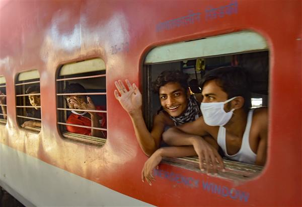 Did migrant workers die in Shramik Trains due to starvation?