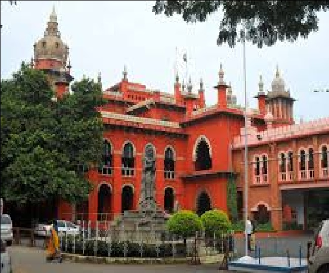 Madras High Court has ordered a probe into the custodial death of Jayaraj and Benniz at the hands of Tuticorin Police