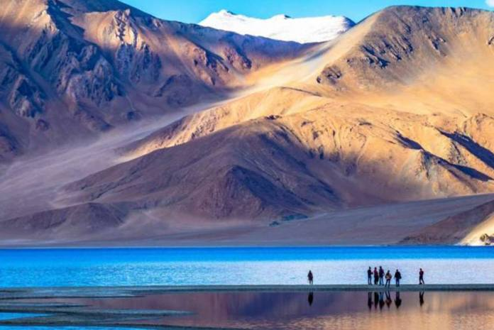 Pangong Tso in Ladakh, fresh clashes have been reported from the south bank
