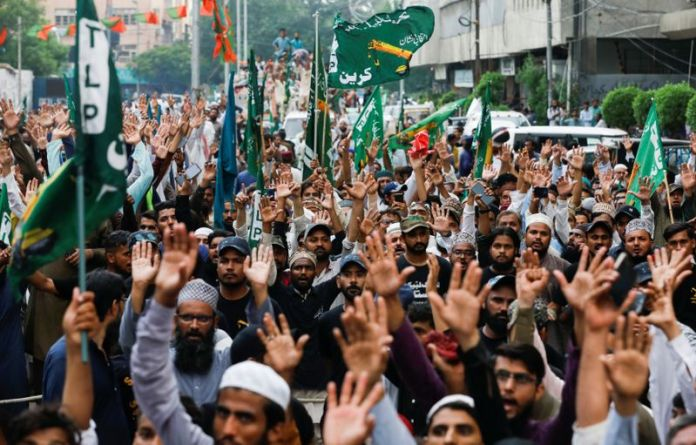 Protests against Charlie Hebdo in Pakistan