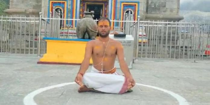 Santosh Trivedi, Kedarnath Priest, falls ill while protesting against Char Dham Devasthanam Management Board