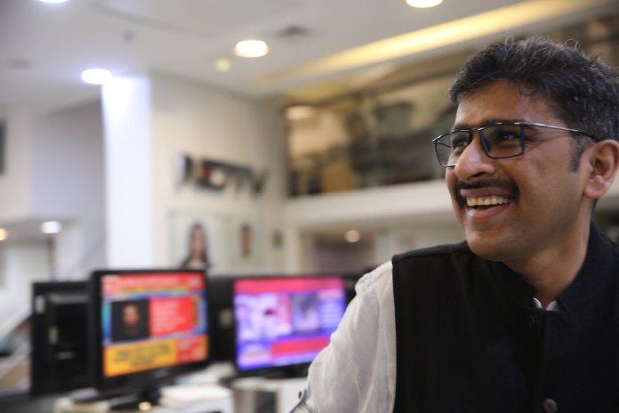 NDTV Sanket Upadhyay watches Republic TV