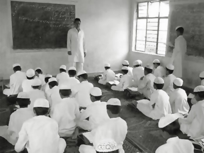 Viral video shows a boy telling that the Maulvi in their Madarsa sexually exploits boys