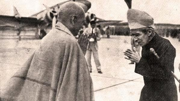 Nizam of Hyderabad bows to Sardar Patel
