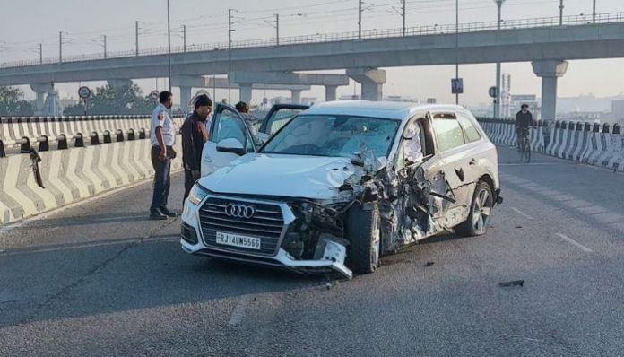 Jaipur: Victim falls off flyover in car accident, accused girl allowed to go home