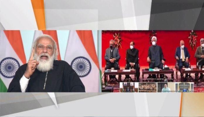 PM Modi slams Rahul Gandhi, tells him to not teach him 'democracy'