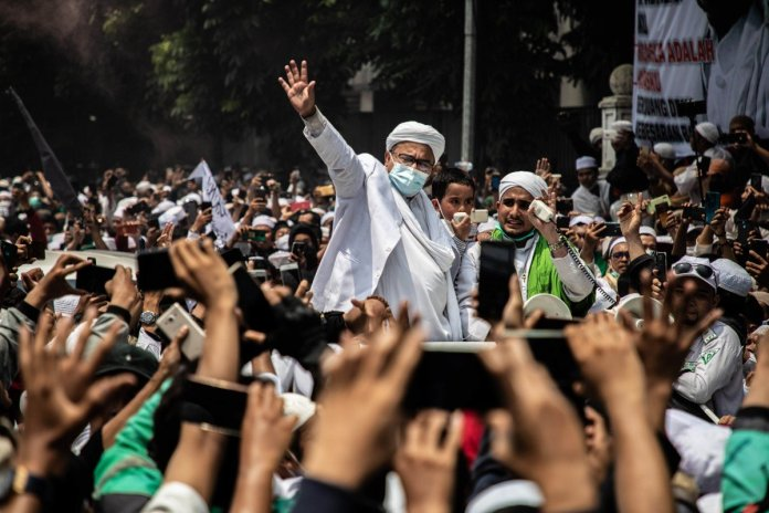 Indonesian radical Muslims change words of Azan from 'hurry to the prayer' to 'rise up for Jihad': Here is what happened