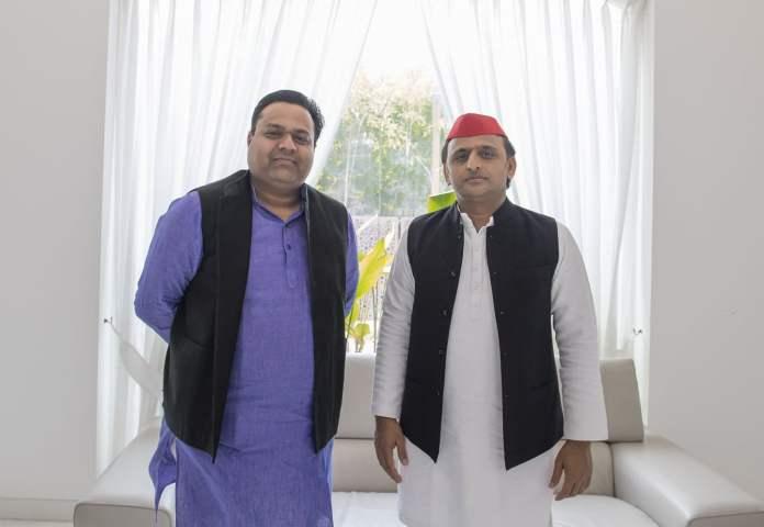 Digital Media Coordinator of Samajwadi Party Manish Jagan Agrawal with Akhilesh Yadav