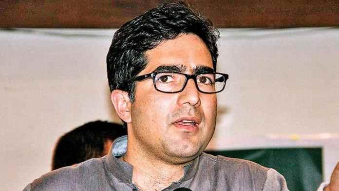 Shah Faesal praises 'Maan ki Baat' initiative, faces backlash from Islamists
