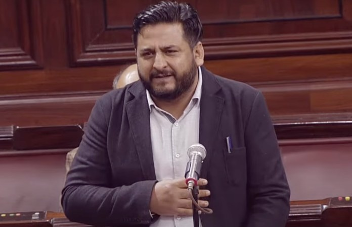 PDP MP Mir Mohammad Fayaz showers praises on Centre for its contribution to Jammu and Kashmir in his farewell speech