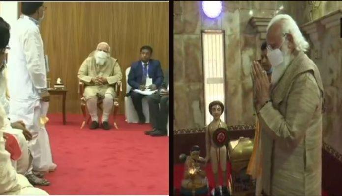 PM Modi meets Matua community in Bangladesh, offers prayers at temple