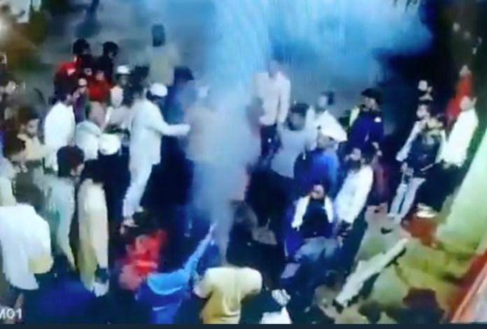 A Muslim mob stopped Hindus in Akola from celebrating Holika Dahan