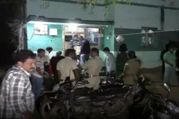 I-T raids Tamil Nadu: Rs 1 crore recovered from AIADMK MLA's driver