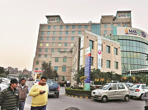 Max Hospital in Delhi gets emergency oxygen after SOS call