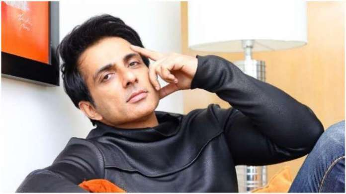 Fact Check: Did Sonu Sood arrange for the plasma of a Covid-19 patient?