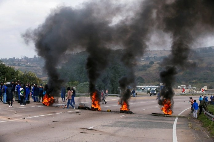 Indians face racist abuse online, threatened with rape and massacre as violence breaks out in South Africa