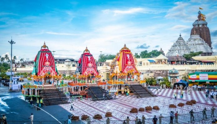 Odisha: Police book 2 from ISKCON for Covid norms violation during Rath Yatra, had shared video of watching procession from balcony