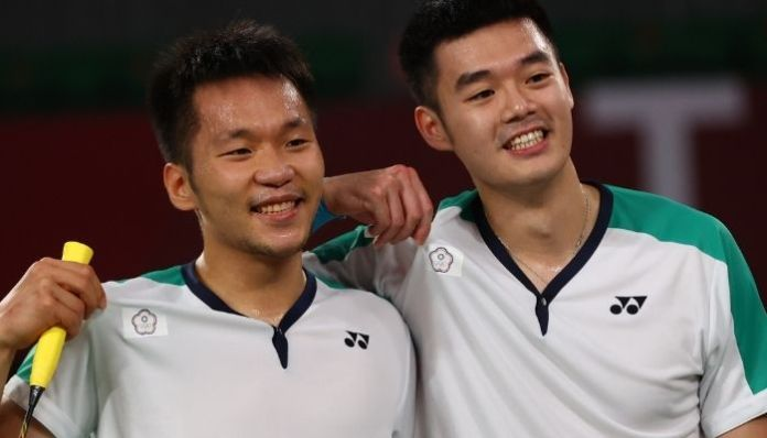 How Taiwan's Olympic gold medal in badminton made the Chinese athletes listen to the Taiwanese national flag anthem?