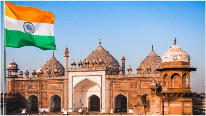 Agra Jama Masjid Mufti objects to Independence Day celebrations, calls it sacrilege, booked