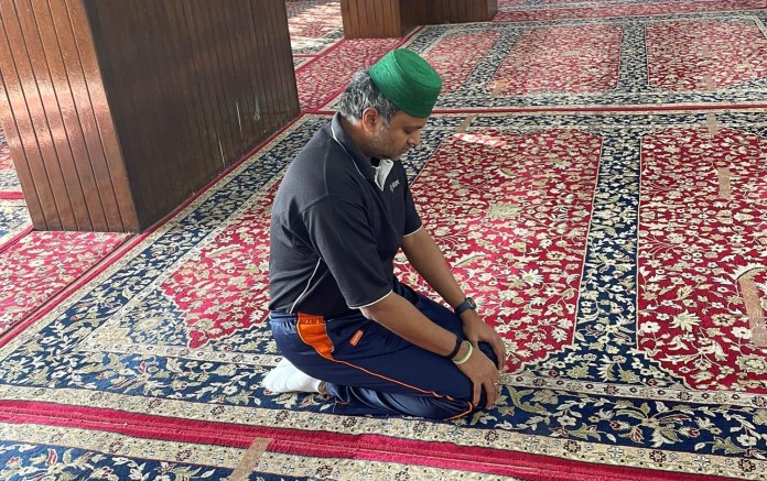Congress MP Karti Chidambaram offers 'Friday prayers' at Hazratbal shrine in Srinagar, which contains 'hair' of Prophet Muhammad