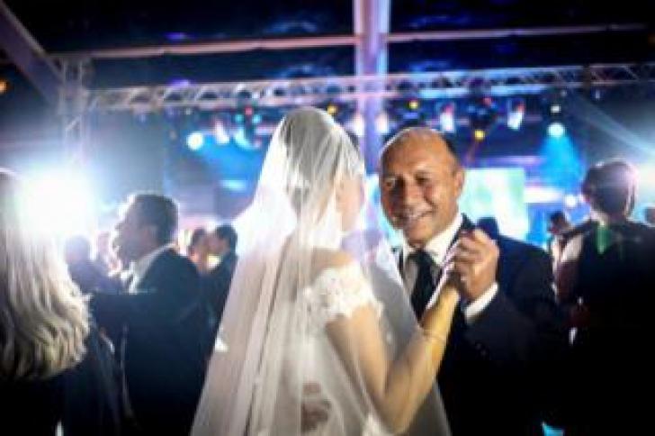 Imagini Noi De La Nunta Elenei Basescu Cu Bogdan Ionescu Vezi Ce