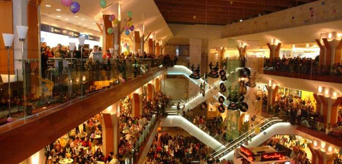 Peste 1000 De Premii De Rasfat Oferite Doamnelor La Iulius Mall