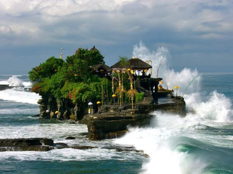 7 Pura Bali yang Patut Anda Kunjungi