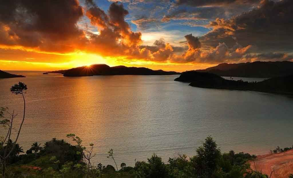 Pesona Keindahan Pulau Mandeh